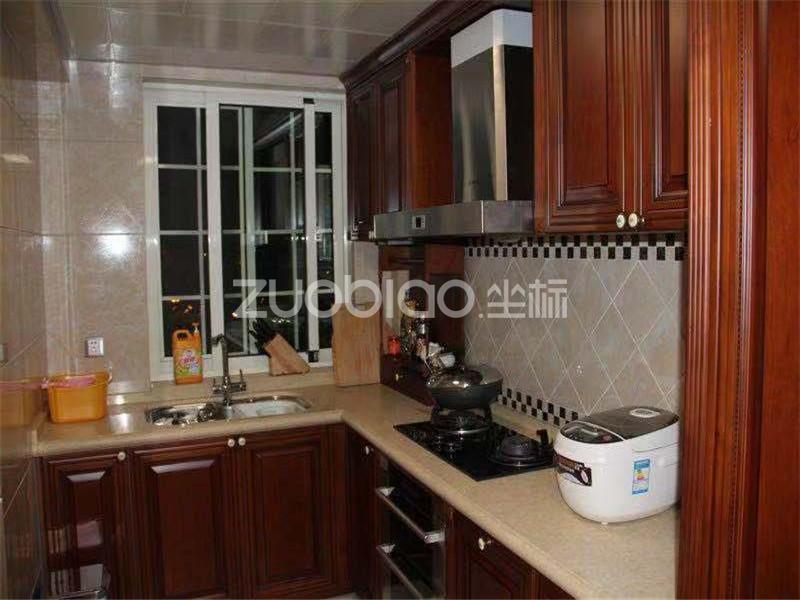 世纪公寓 4室2厅 445