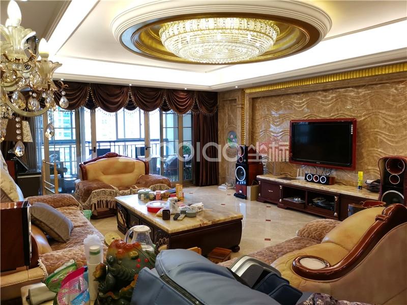 欧景名城 4室2厅 690万