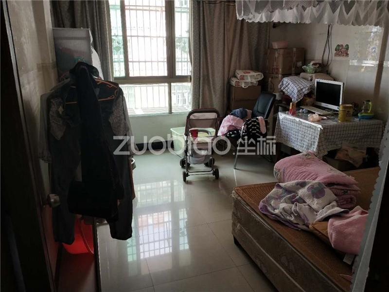 樊村 5室5厅 700万