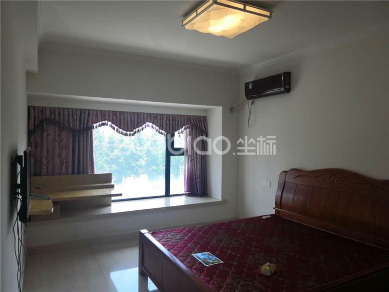 总部经济公馆(套房) 3室2厅 218万