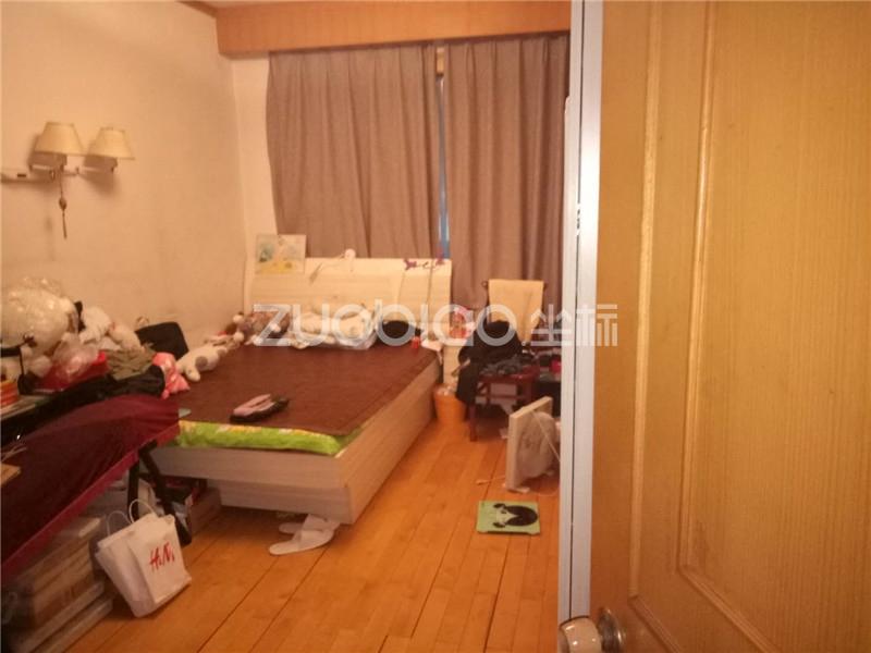 江南二区 3室2厅 216万