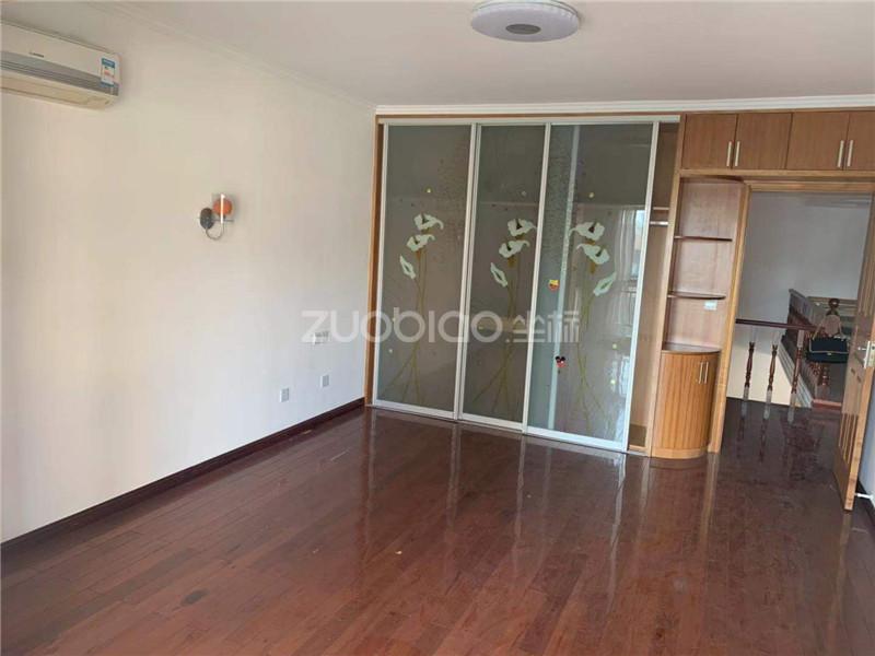 经贝家园 3室1厅 290