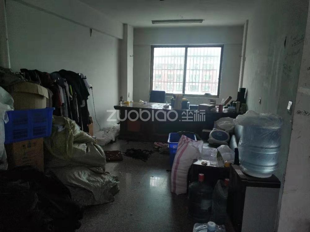 杜元小区 9室9厅 900