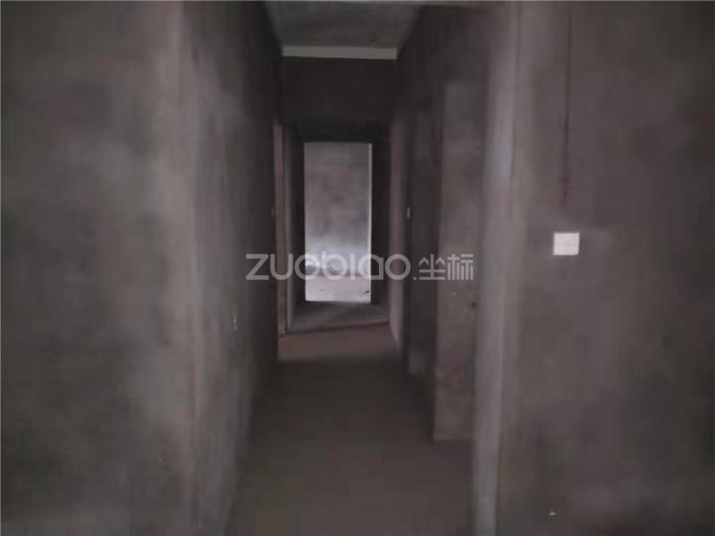 現代廣場 4室1廳 410萬