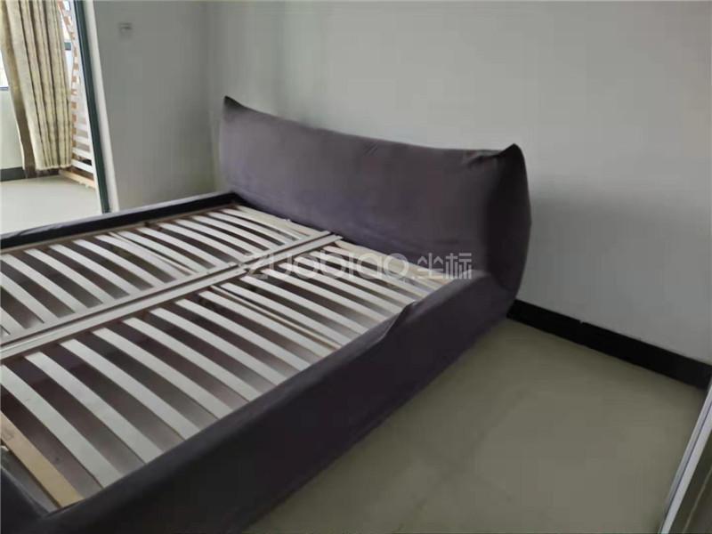 紫荆公寓 2室1厅 68万