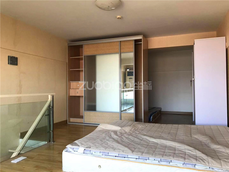 现代公寓 2室1厅 106万