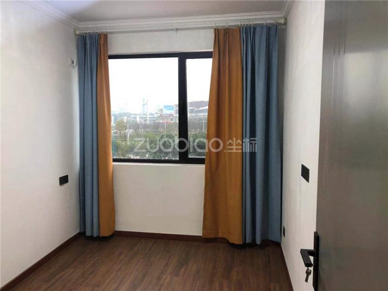 新城吾悅廣場 3室2廳 376萬