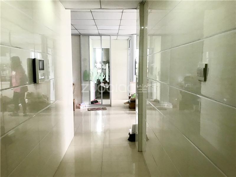 商博路 2室1廳 145萬
