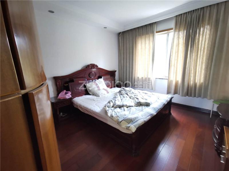 菊园小区 3室2厅 285万