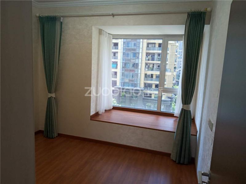 现代城 3室2厅 385万