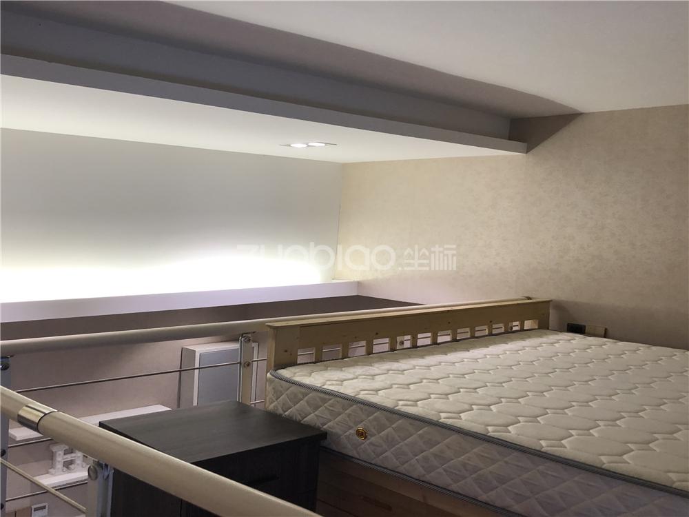 涌金廣場 1室1廳 145萬
