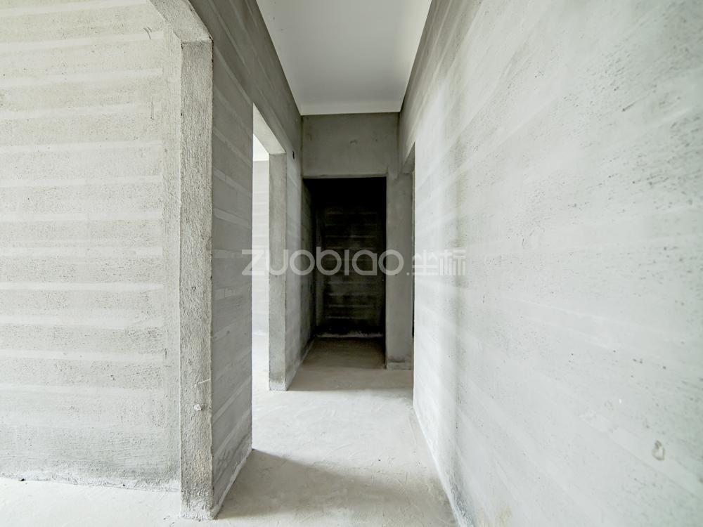 望湖公館 3室1廳 190萬