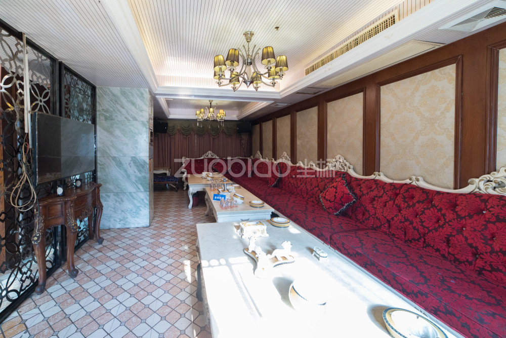 香港城 3室2廳 350萬