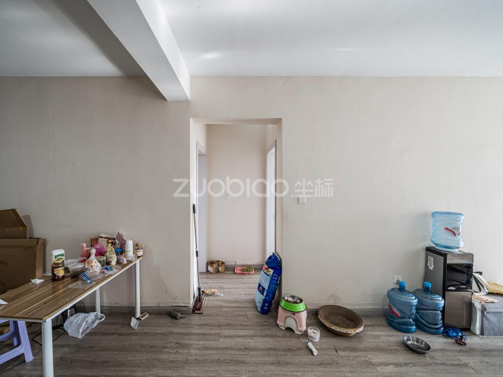 賓王廣場 3室2廳 360萬