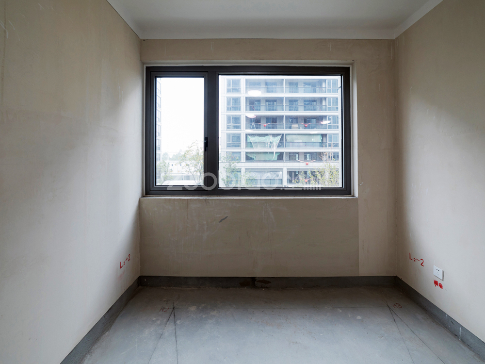 綠城桃花園 4室2廳 418萬