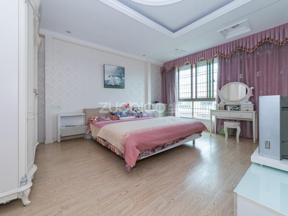 西陳三區 8室5廳 680萬