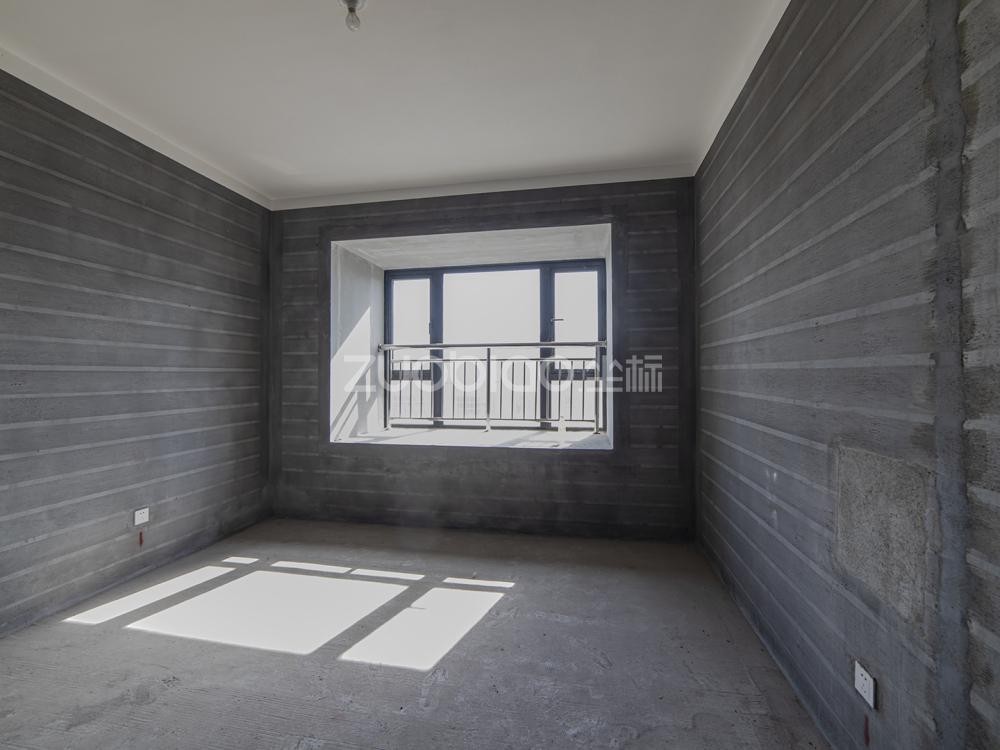 万固融城(都会家园) 3室2厅 225万