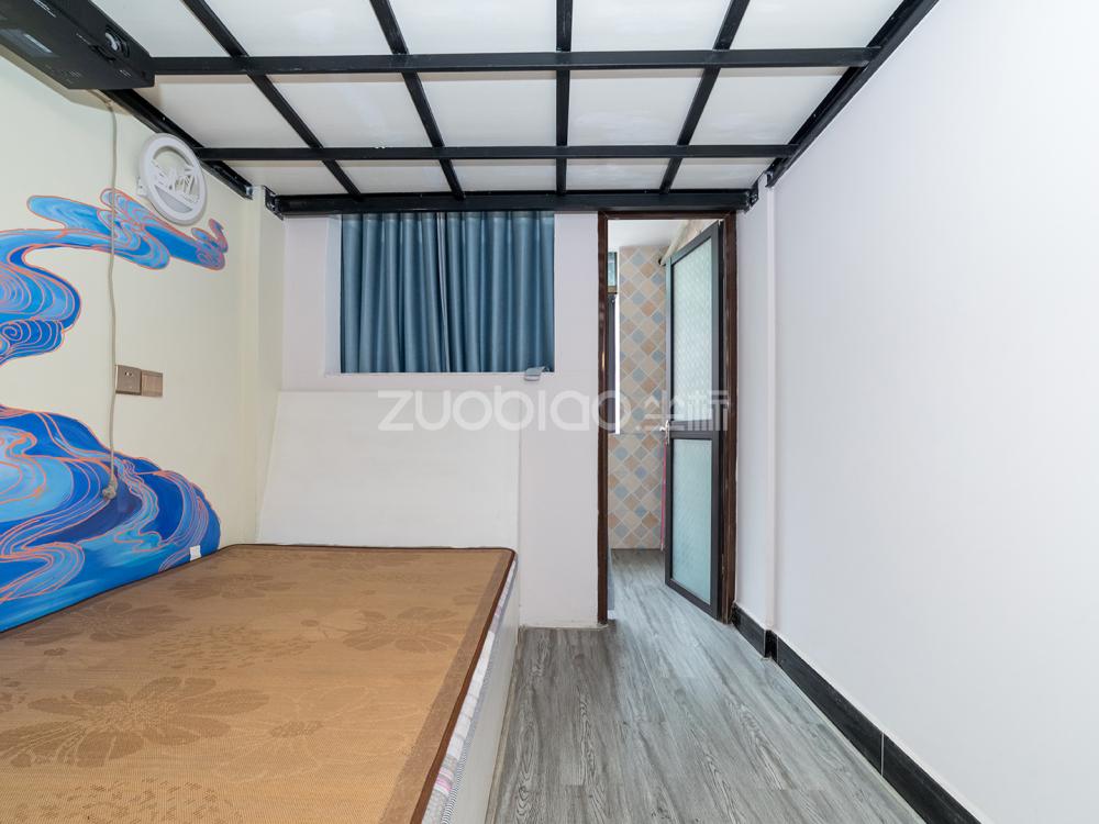江东中路 2室2厅 155万