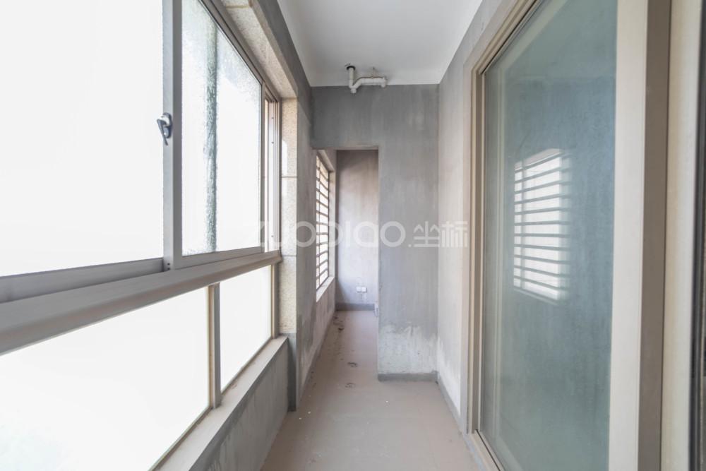 中央公館 3室2廳 840萬
