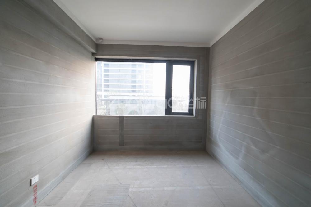 向陽新村 4室2廳 580萬