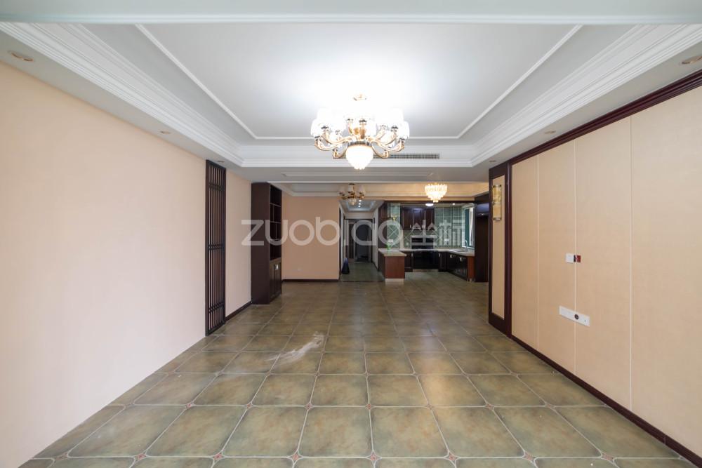 通惠门 4室2厅 485万