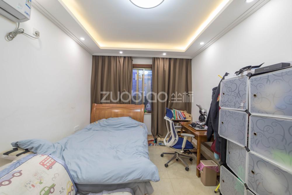 菊園小區 3室2廳 400萬