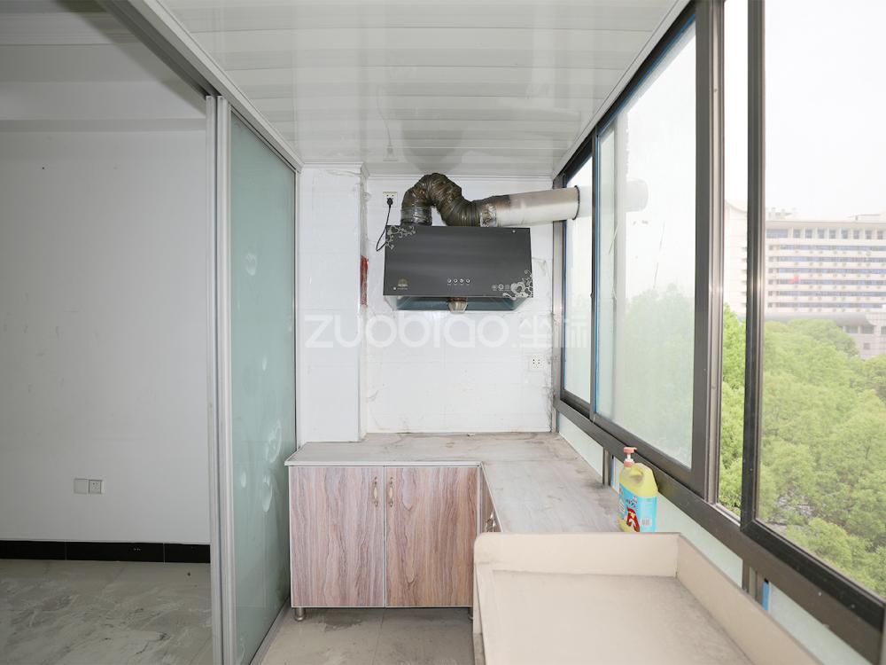 江東中路 2室1廳 165萬