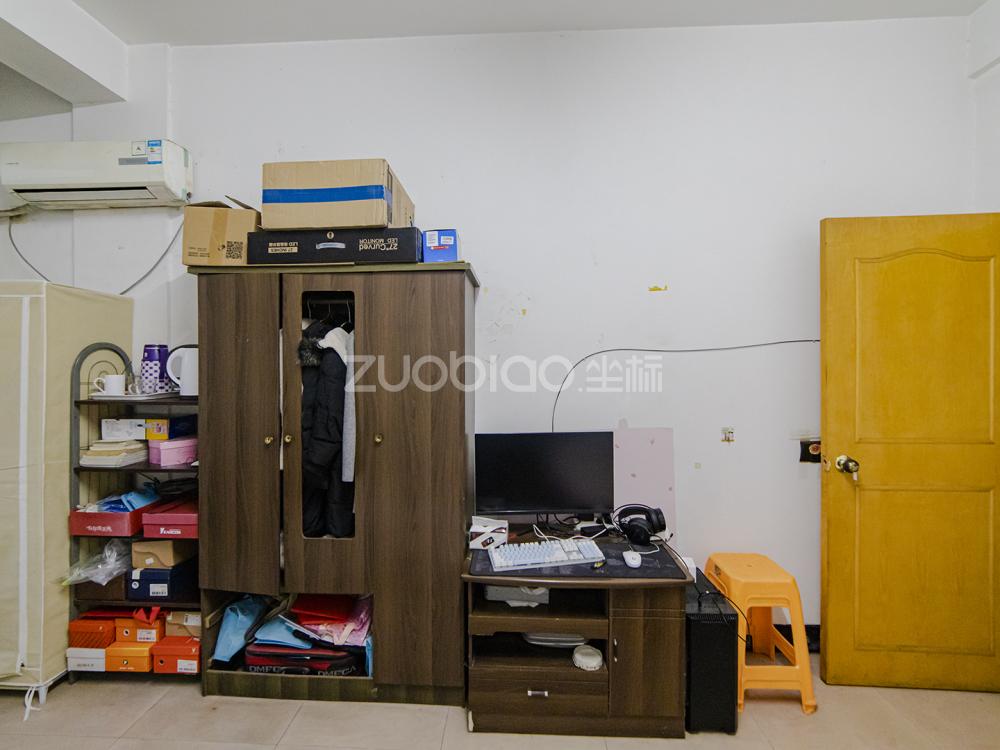 南門街 1室1廳 148萬