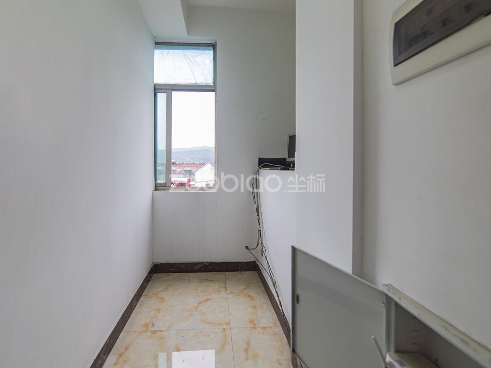 江東中路 8室6廳 1388萬