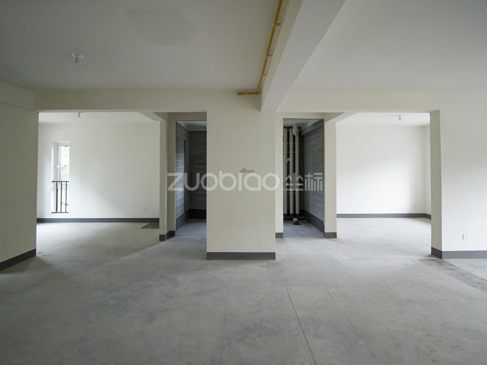 锦绣之城 4室2厅 468万