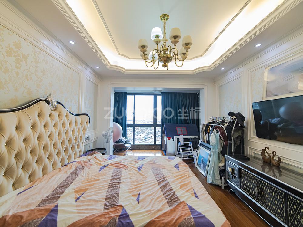 梅湖国际公馆 3室2厅 450万