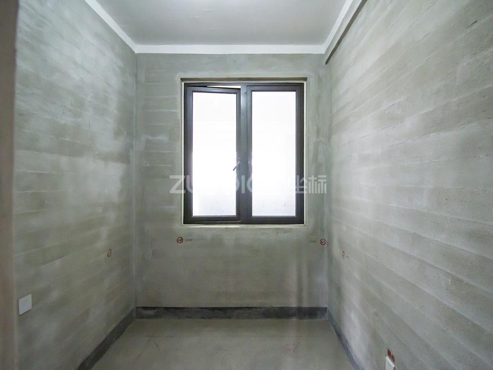 绿城玫瑰园 3室2厅 395万