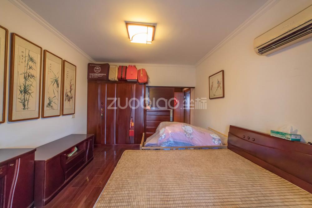 都市公寓 3室2廳 617萬