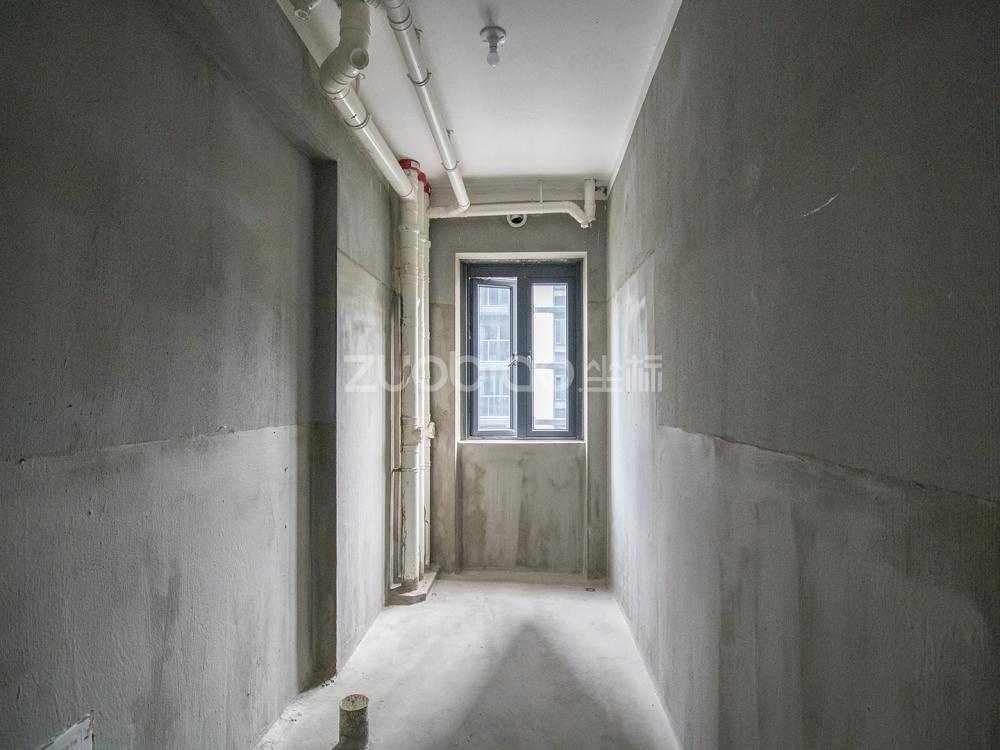 卿悅府西區 3室2廳 650萬