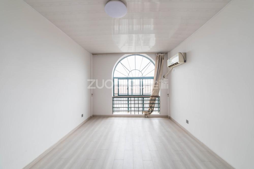 陽光小區 3室2廳 330萬