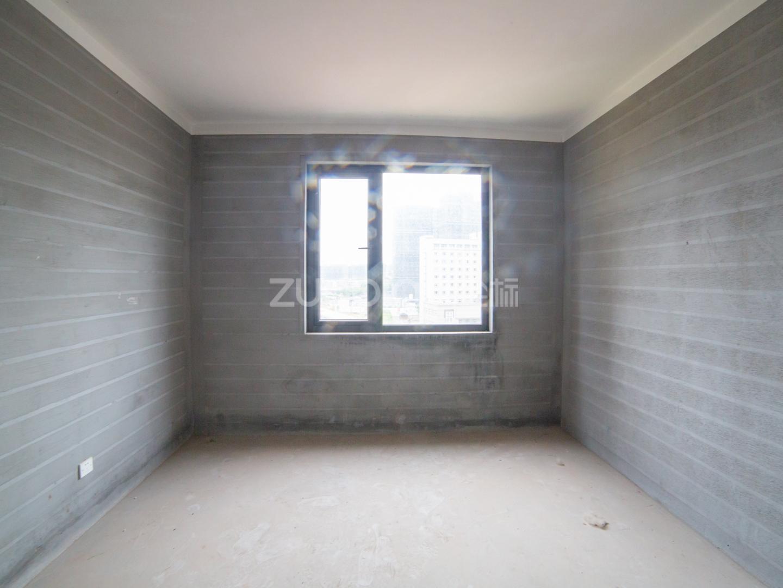 卿云府 4室2廳 815萬