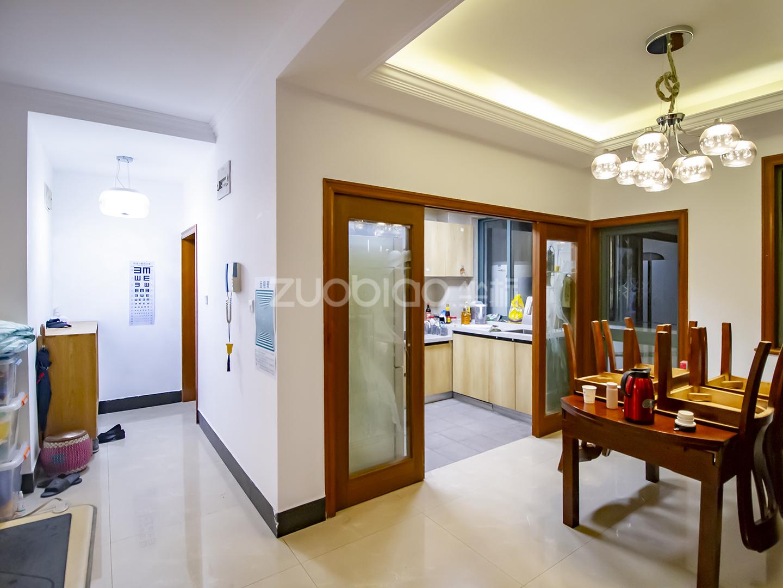 锦都豪苑 3室2厅 390万