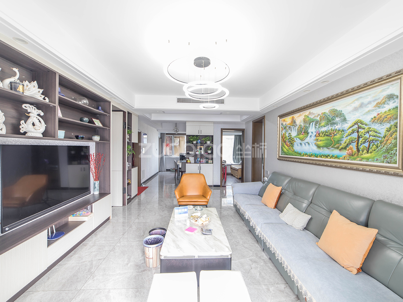 现代城 3室2厅 498万